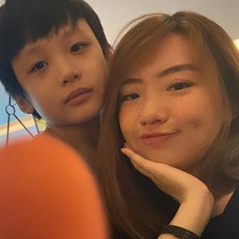 Babysitter in Singapore: Sara