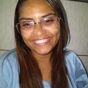 Babysitter Recife: Rebeca