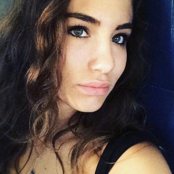 Babysitter Milan: Giulia