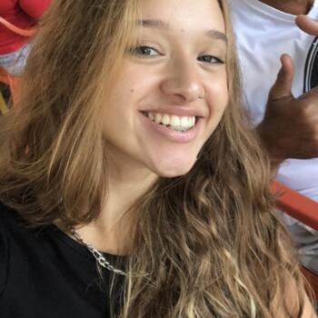 Babysitter in Recife: Sophia