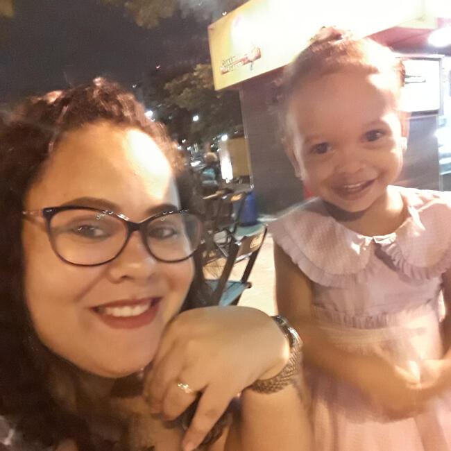 Babá em Salvador: Emily