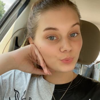 Babysitter in Mishawaka: Hannah
