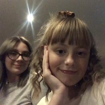 Babysitter Milton Keynes: Caitlin