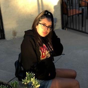 Babysitter Riverside: Anahi