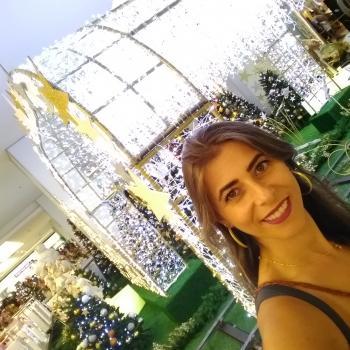Babá Salvador: Ana Claudia