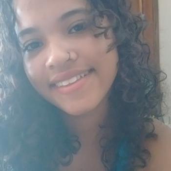Babá em Londrina: Karol
