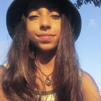 Babysitter Recife: Isabelle