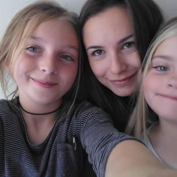 Babysitter in Doncaster: Veronica