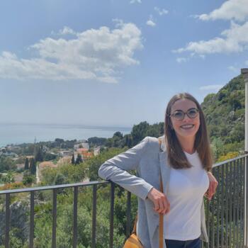Niñera en Marbella: Phoebe