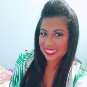 Babysitter Curitiba: Haysla Paula