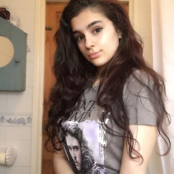 Babysitter Altrincham: Yasmin