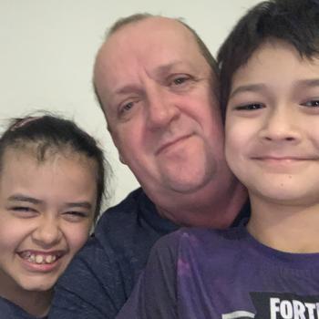 Babysitting Jobs in Townsville: babysitting job Bruce