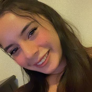 Babysitter Miami: Daniella