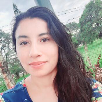 Babá em Itajaí: Paola