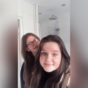 Babysitter in Uden: Ilse en Larissa