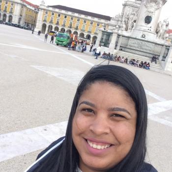 Babysitter Lisboa: Tatiane