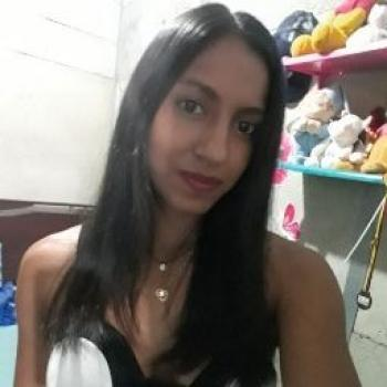 Babysitter in Yumbo: MONICA PAOLA
