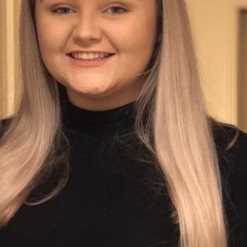 Babysitter in Ballinasloe: Leah