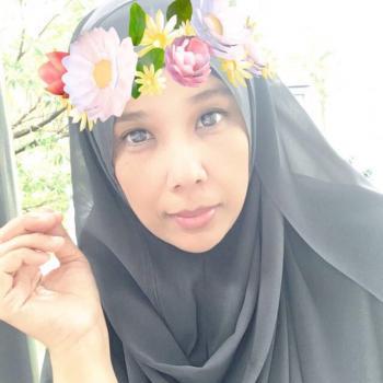 Babysitter Singapore: Noor
