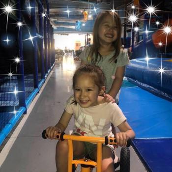 Babysitting job Melbourne: babysitting job Harumi