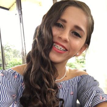 Babysitter in San Diego: Daniela Edith