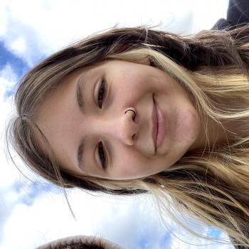 Babysitter in Springfield (Oregon): Emma