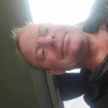 Babysitter in Whanganui: Ian