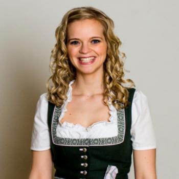 Babysitter Sankt Georgen im Attergau: Katharina Schneeweiß