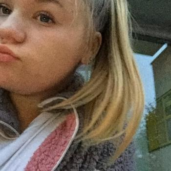 Babysitter Halle: Celina