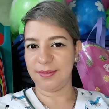 Babysitter in Medellín: Silvia Elena