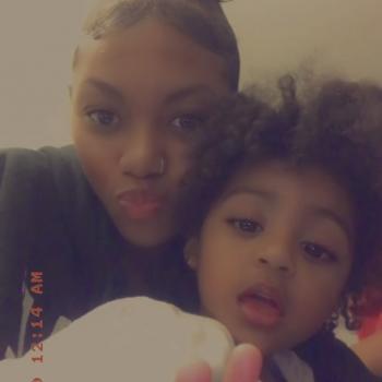 Babysitter Hollywood (Saint Mary's County): Nyana
