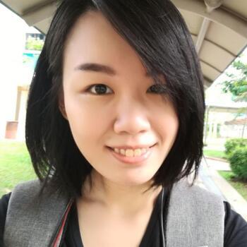 Babysitter Singapore: Amanda