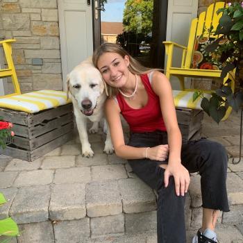 Babysitter in Arlington Heights: Ellyse