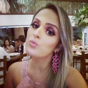 Emprego de babá em Brasília: emprego de babá Bruna