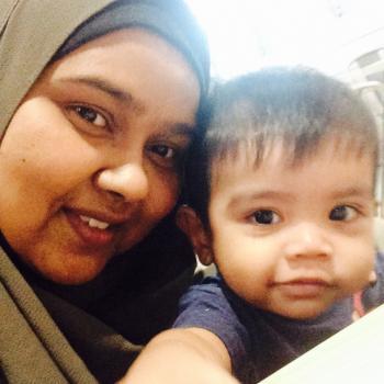 Babysitter Singapore: Siti
