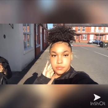 Babysitter Manchester: Ebony