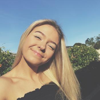 Babysitter Melton West: Katelyn