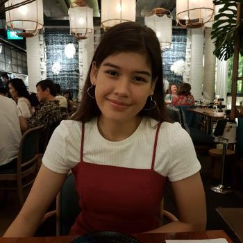 Babysitter in Singapore: Arielle