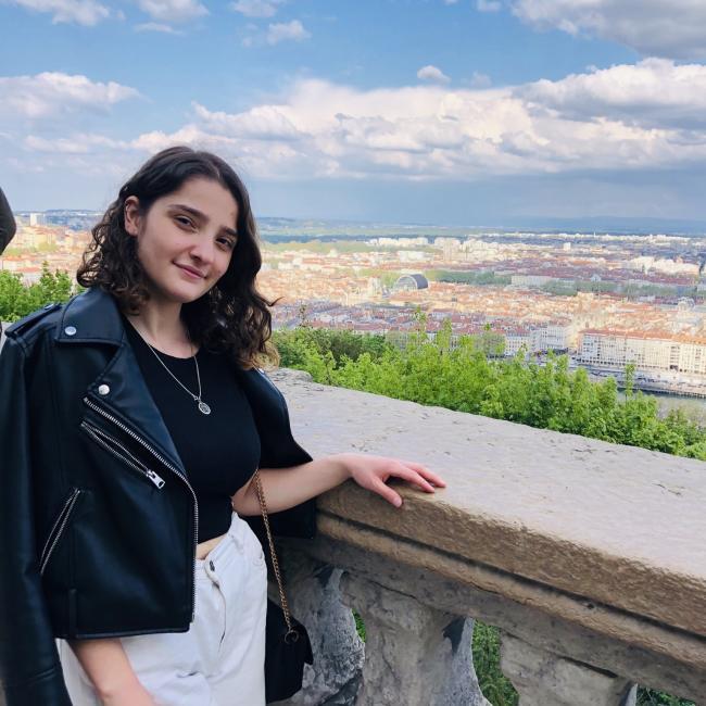 Baby-sitter in Lyon: Rabiya