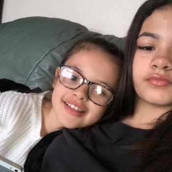 Babysitter Derby: Mia
