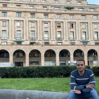 Lavoro per babysitter a Genova: lavoro per babysitter HOSSAM