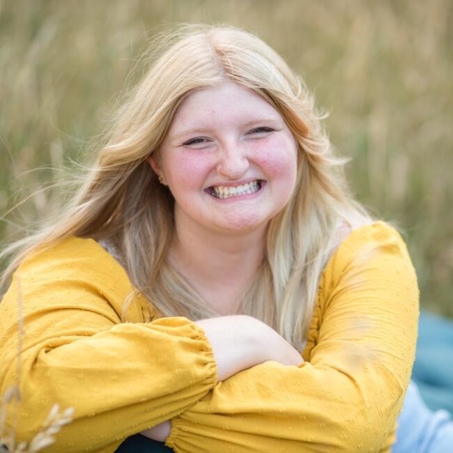 Babysitter in Sioux Falls: Anna