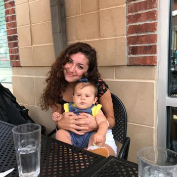 Babysitter Carmel: Julia