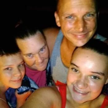 Babysitter Lakeland Harbor Mobile Home Park: Kimberly