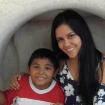 Babysitter Sydney: Yenny Paola