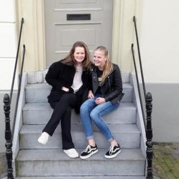 Oppas Oudkarspel (Langedijk): Amber