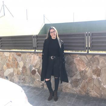 Babysitter Llinars del Vallès: Nuria