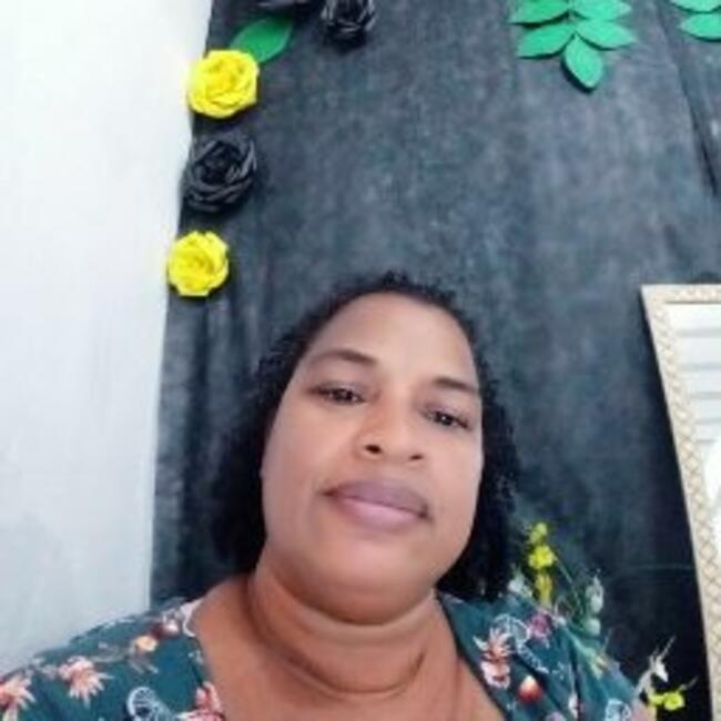 Babá em Salvador: Adriana