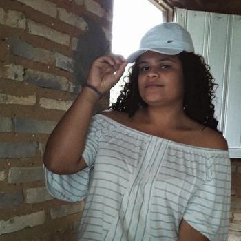 Babá em Alagoinhas: Elienay