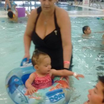 Baby-sitter Edmonton: Tina